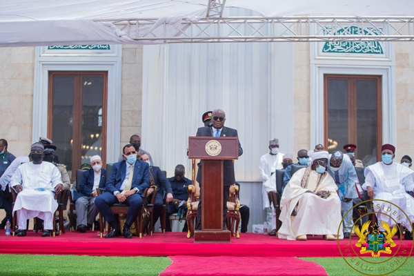 This image has an empty alt attribute; its file name is Akufo-Addo-Mosque.jpg